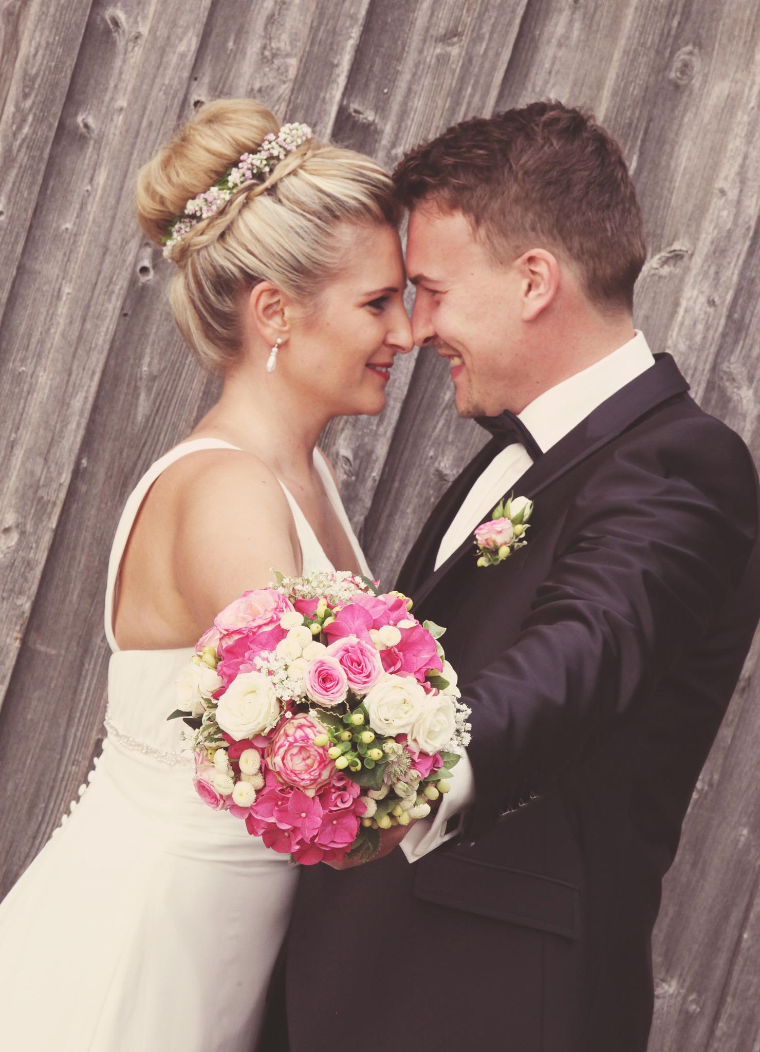 Brautfrisuren romantisch verspielt