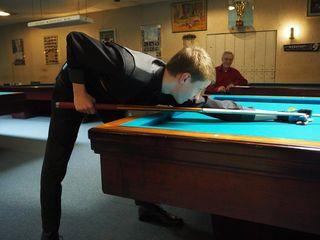 Der 14 jährige Nikolaus Kogelbauer spielt knapp 2Jahre Billard und vertritt Österreich 2016 bei der Europameisterschaft. Ein Jahrhunderttalent !!!