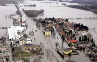 Ein Drittel der Häuser in Dürnkrut stand unter Wasser, darunter der Bahnhof. Er wurde nie wieder renoviert.