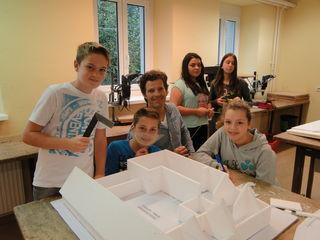 Architekturmodelle sind ein Teil der Projektpräsentation.