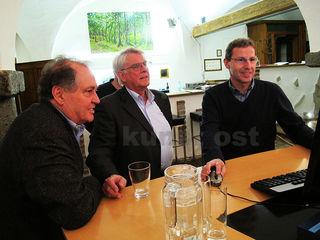 Geschichte trifft Gegenwart, trifft Zukunft. Von links: Fredi Thaler, Manfred Haslinger und Herbert Walser.