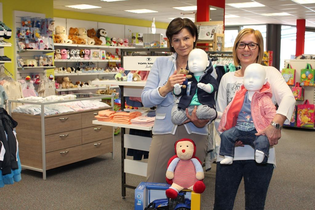 designer fashion badaf b396e Geschäft für Kindermoden und Spielzeug hat in St. Veit ...