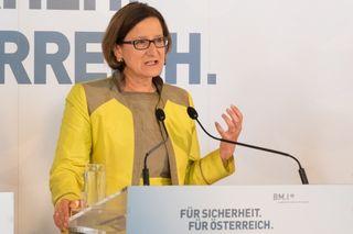 Johanna Mikl-Leitner begann als Marketingleiterin der ÖVP Niederösterreich.