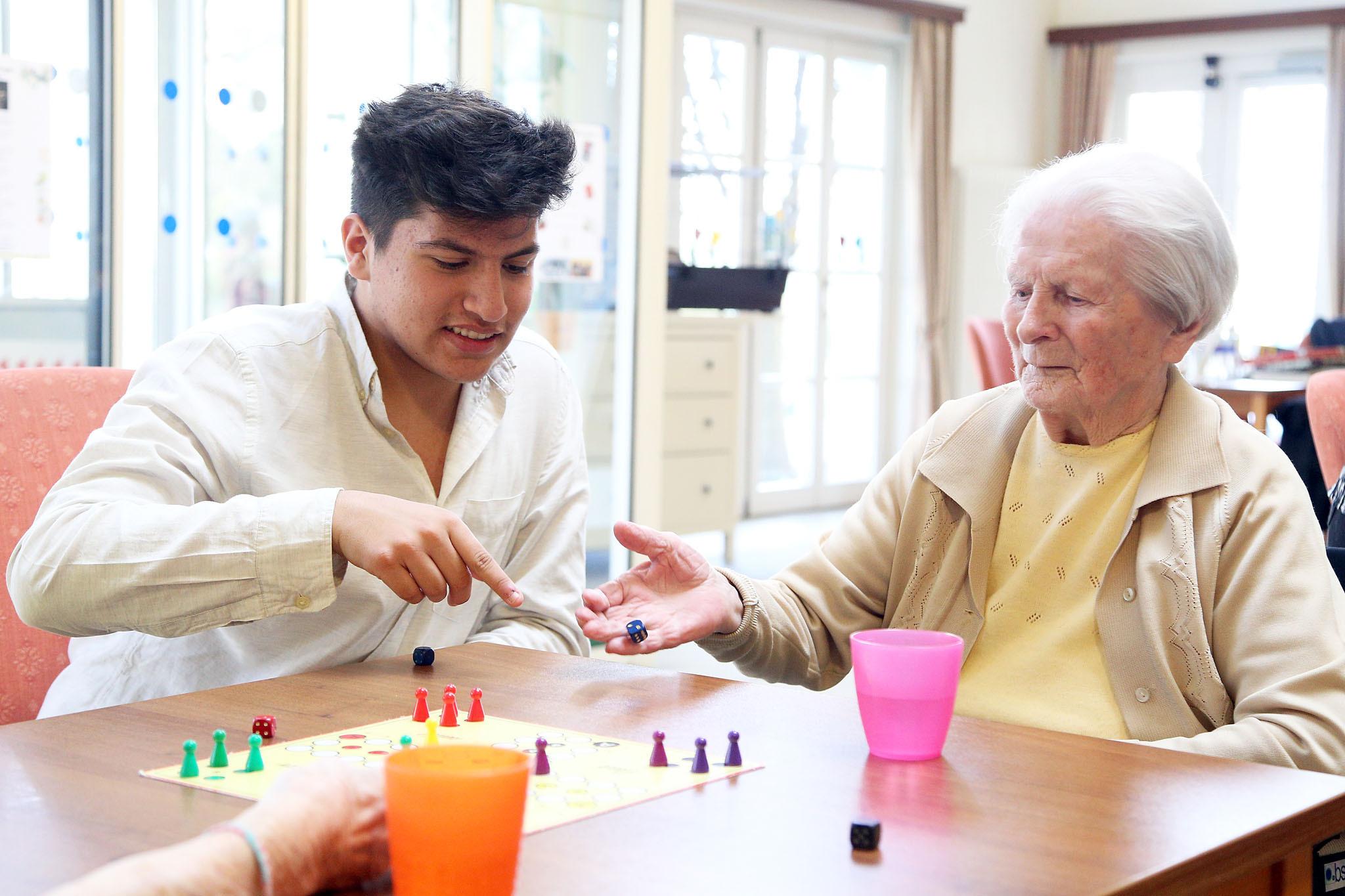 Simmering: Pensionisten schwingen das Tanzbein - Simmering