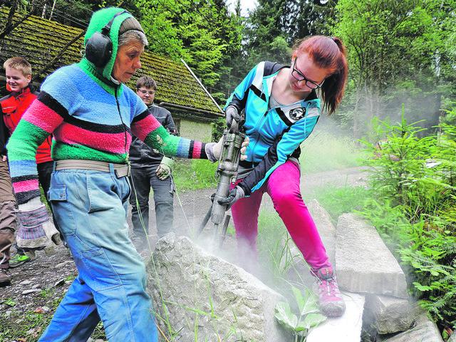 Frau sucht jungen mann in ampflwang im hausruckwald