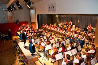 Die Musikkapelle Tarrenz lädt am 8. Mai zum traditionellen Muttertagskonzert in den Mehrzwecksaal Tarrenz ein.