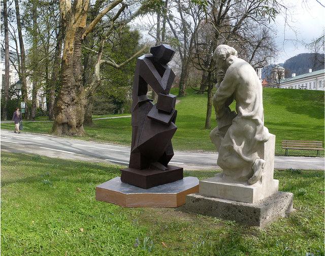 """Mit """"GegenSetzung"""" stellt Gwiggner dem Paracelsus ein Kunstwerk entgegen, welches dazumal verboten gewesen wäre."""