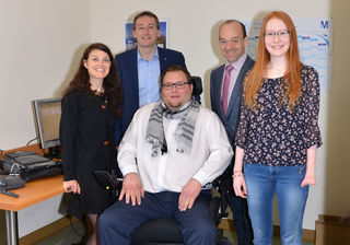 Am Foto: Frau Gonaus (Verein 0Handicap), LAbg. Maier, kaufmännischer Direktor Huber, Herr Neuhold und Frau Zeug