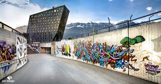 Graffitis - Kreisverkehr Olympiaworld Innsbruck