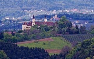 Im Vordergrund Schloss Freiberg