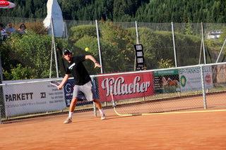 Björn Wilhelmer-Zitter konnte trotz verlorenem Einzel gegen Philipp Troschl jubeln.
