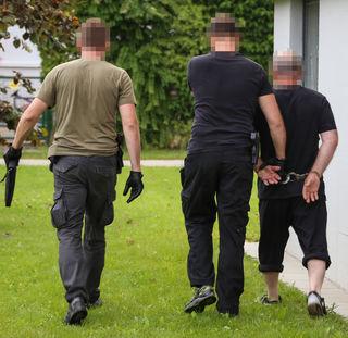 Während des Cobra-Einsatzes ist es in Wels zu zwei Festnahmen gekommen.
