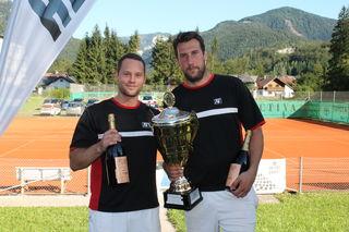 Titelverteidigung geglückt: Gerald Fahrnberger und Armin Schönauer sind erneut die Champions des Herrenbewerbs.