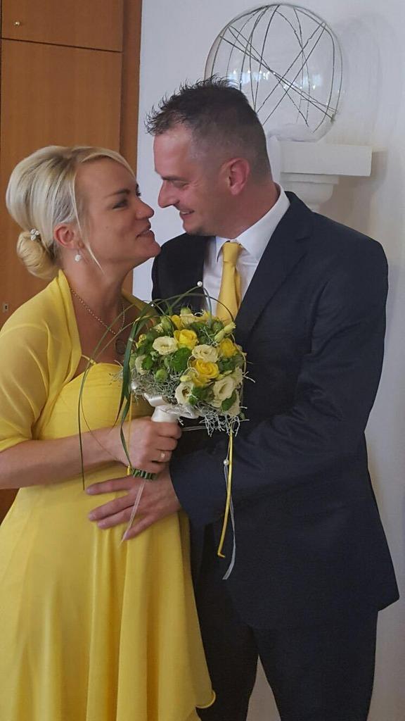 Heirat Thema Auf Meinbezirk At