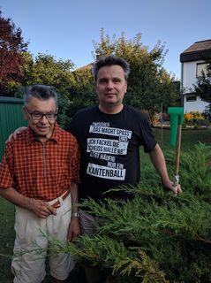 Friedrich Schmutzenhofer und sein Sohn Peter betreuen seit über 45 Jahren eine kleine, private Wetterstation.