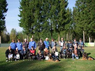 Die Erstplatzierten der NÖ Landesmeisterschaft der ÖHU beim Hundeclub Schrems.