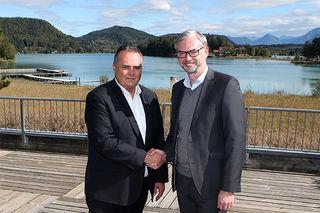 Wirtschafts- und Sportlandesrat Michael Strugl (r., ÖVP) hat sich mit Sportminister Hans Peter Doskozil (l., SPÖ) bei der Landessportreferentenkonferenz 2016 in Kärnten über die Finanzierung der täglichen Turnstunde geeinigt.
