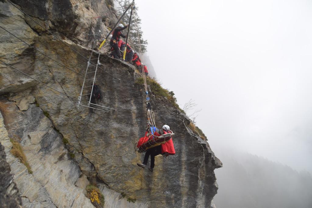 St Jodok Klettersteig : Am klettersteig präsentierte die bergrettung ihre jahresbilanz