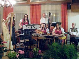 "Traditionelles ""Singen im Herbst"""
