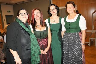 Hospiz-Teamleiterin GU-Süd Monika Dunkl (2.v.l.) mit ihren Stellvertreterinnen und Koordinatorin.