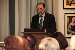 Mag. Manfred Litscher bei seinen Ausführungen zur Fotoausstellung