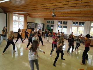 Die Tanzgruppe der NMS Pischelsdorf in Kooperation mit der Musikschule Gleisdorf/Pischelsdorf.