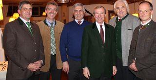 Die Vertreter der jubilierenden Institutionen Hans Hettegger, Thomas Wirnsperger, Peter Hettegger, Franz Zraunig und Josef Gruber mit Landeshauptmann Wilfried Haslauer.