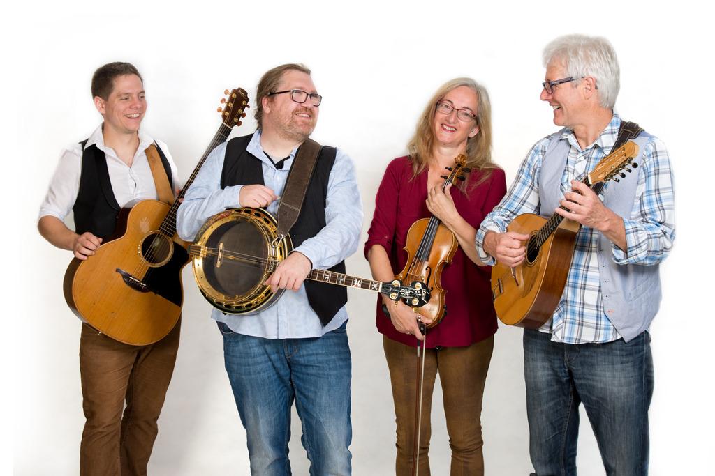 Irische Weihnacht: Medley Folkband und Kirchenchor Rohrbach machen ...