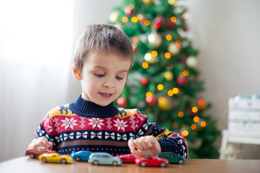 Weihnachten: Spielsachen machen Kinder glücklich.