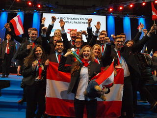So sehen Sieger aus: das Team Austria nach dem Medaillenregen