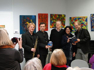 v.l.: Willy Kulmer, Claus Schwarz (Buchhandlung Plautz), Eric Sebach, Birgit Ferstl (Stadtbücherei Gleisdorf), Erich Fuchs.