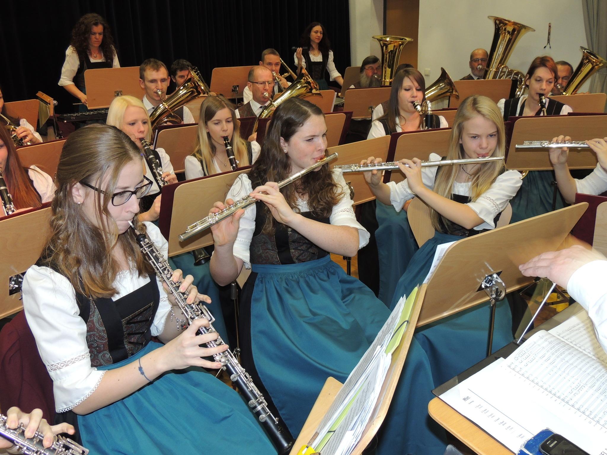 Musikverein spielt für 6-jährigen Paul - Steyr & Steyr Land