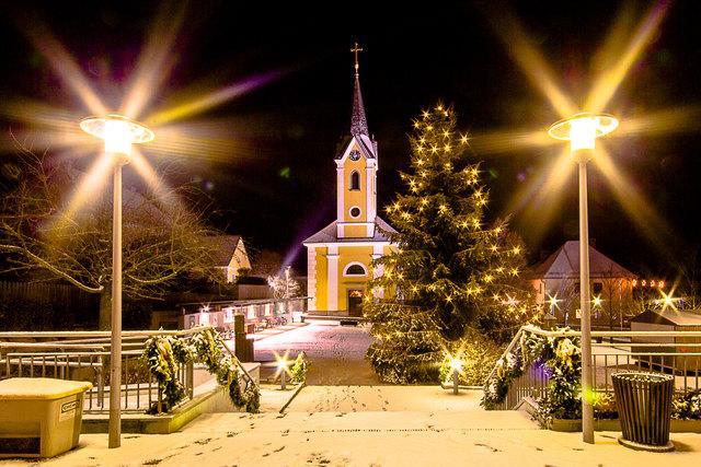Weihnachten In Handschellen.Weihnachten In Oberösterreich Thema Auf Meinbezirk At