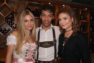 Julia Brandstätter, Maximilian Kallinger und Lisa Halvax amüsierten sich am Jägerball.