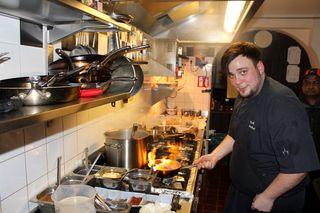 Küchenchef Walter Leidenfrost in seinem Element