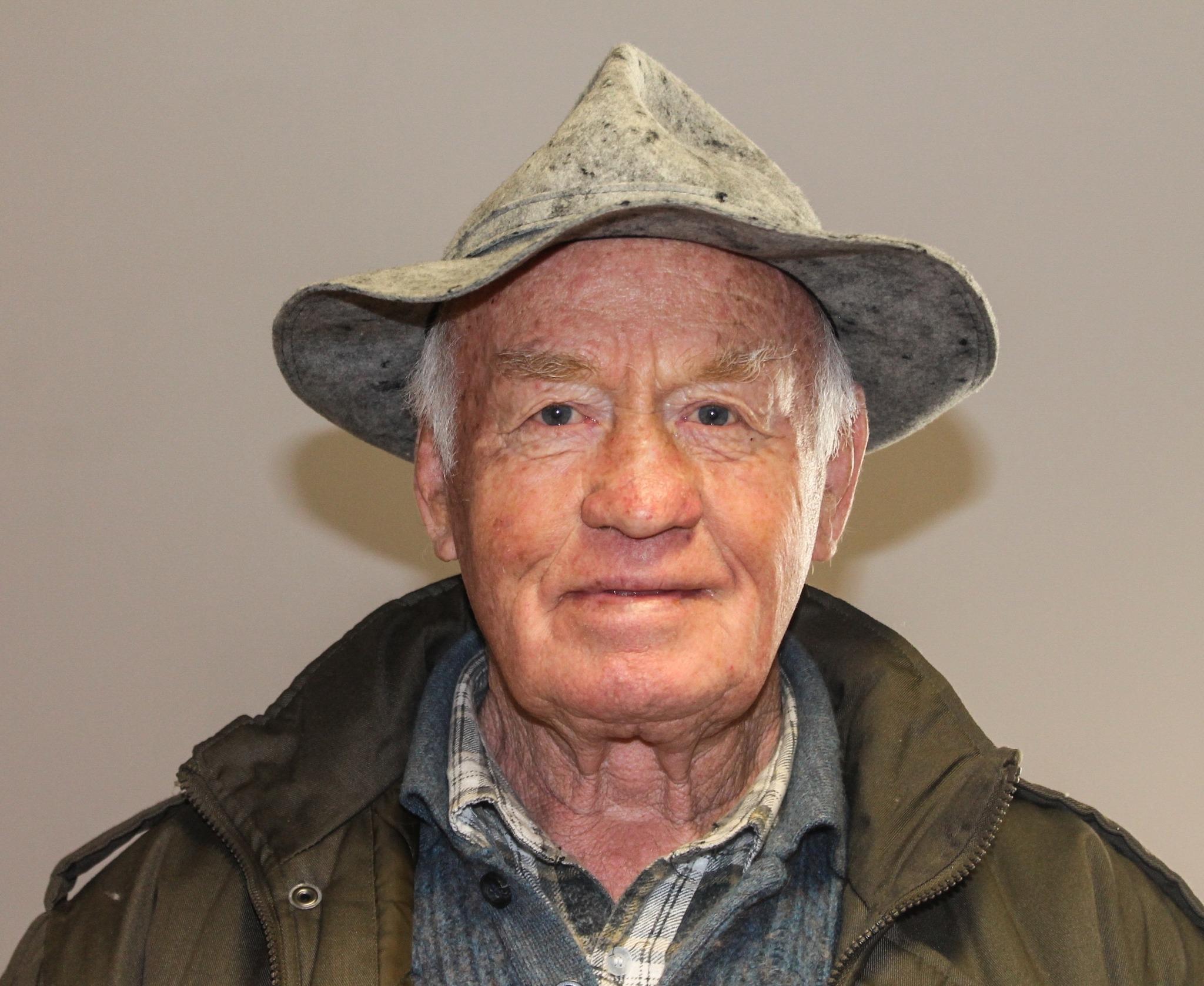 Der Villacher Imker Kurt Scholin richtet eine Bitte an die Villacher