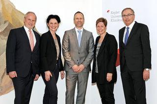 v.l.n.r.: Geschäftsführer Heinz Brock, Vizerektorin Petra Apfalter, Andreas F. Zierer, Geschäftsführerin Elgin Drda, Geschäftsführer Dietbert Timmerer.