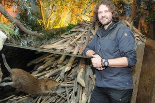 Wie der Biber in Salzburgs Auwäldern heute lebt, das erfahren Besucher von Museumspädagoge Markus Prötsch.