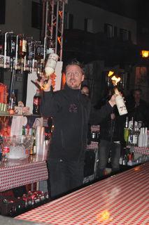 Die Showeinlage von Barkeeper Stefan Himmelbauer an der Maniac Bar war ein Hingucker.