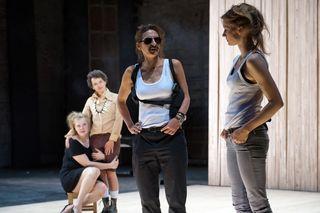 Stefanie Reinsperger, Dorothee Hartinger, Catrin Striebeck, Frida-Lovisa Hamann