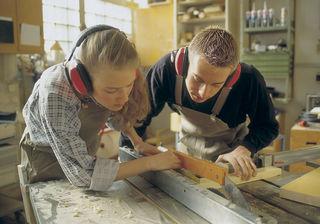 Tischler ist der beliebteste Lehrberuf rund um das Arbeiten mit Holz, in Klagenfurt erlernen ihn gerade 23 Jugendliche