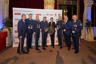 Im Beisein von Landespolizeipräsident Gerhard Pürstl (li.) und Innenminister Wolfgang Sobotka (2.v.re.) wurden die besten Polizisten der Stadt geehrt.