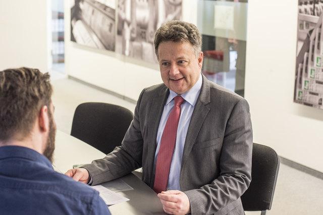 ÖVP-Bezirksparteiobmann Thomas Mück im Interview mit bz-Chef vom Dienst Andreas Edler.