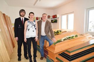 Seniorchef Josef Kos (rechts) hat mit seinem Sohn Andreas ein florierendes Bestattungsunternehmen mit mehreren Standorten im Lavanttal aufgebaut