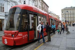 Ab 21 Uhr müssen die Fahrgäste von Sonntag bis Donnerstag auf den Schienenersatzverkehr ausweichen.