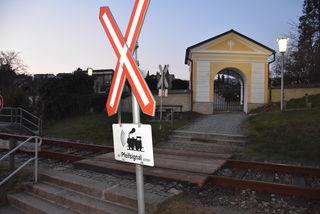 Fußgängerübergang zum Friedhof , Grein