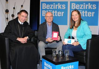ERzabt Korbinian Birnbacher, Vier-Hauben--Koch und Buchautor Rudi Obauer und Bezirksblätter-Chefredakteurin Stefanie Schenker