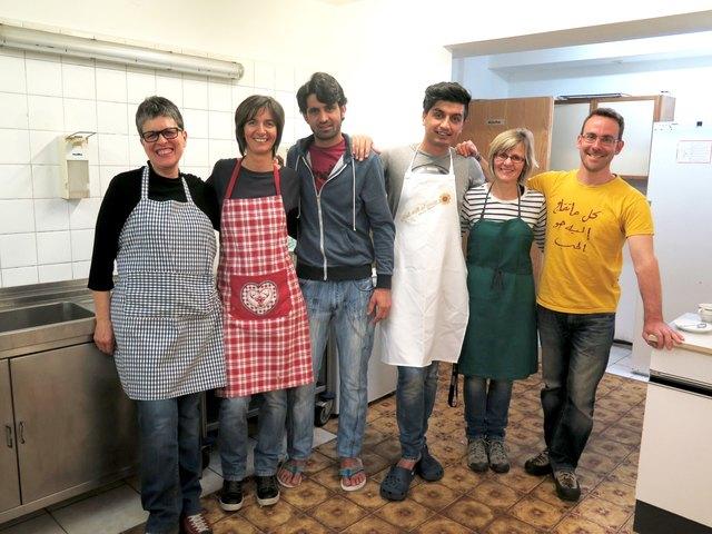 Integratives Kochen stand im Flüchtlingsheim Prägraten auf dem Programm.