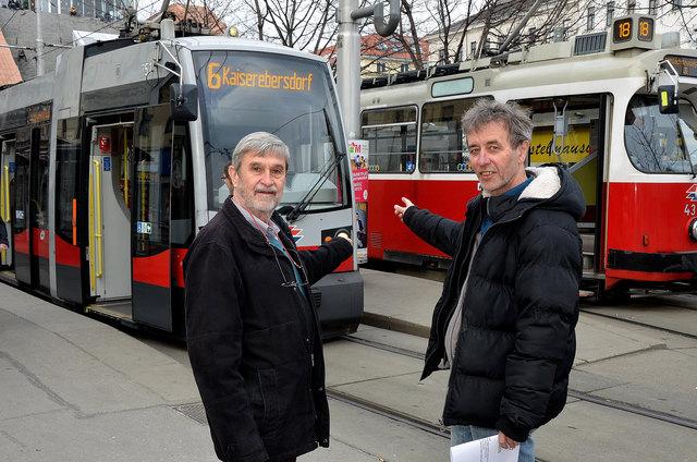 Wien Anders will den 8er zurück: Fritz Fink (l.), Bezirksrat in Ottakring, und Didi Zach (r.), Bezirksrat in Rudolfsheim-Fünfhaus.
