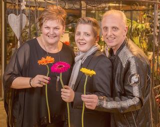 """Ingrid, Wolfgang und Floh laden zur """"Frühlingsshow"""" ein."""